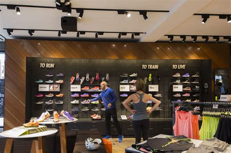 run in shoe store the best shops for running shoes and apparel in chicago