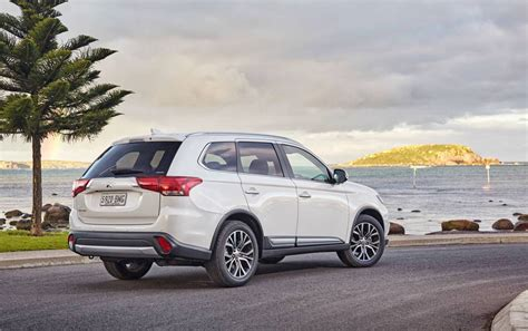 outlander mitsubishi 2017 2017 mitsubishi outlander on sale in australia from