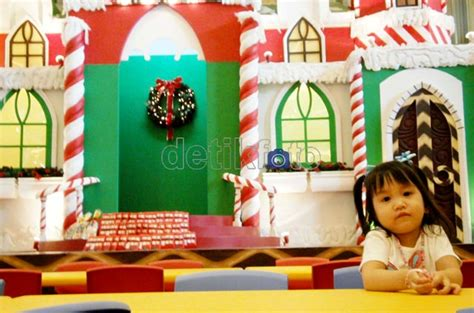 film bertemakan natal artikel unik asik gemuruh natal di pusat perbelanjaan