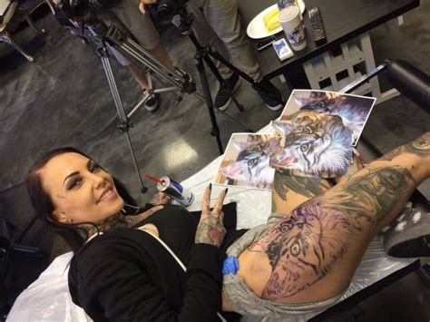 cat vandi tattoo foundation girl decided to keep the memory of her cat forever and