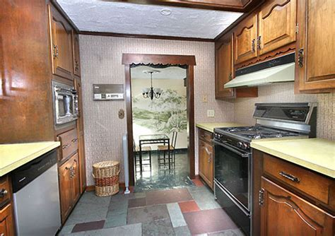"""Amazing 1960s """"Storybook Ranch"""" time capsule house   42"""