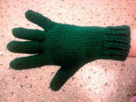 knitting pattern for gloves on two needles pin by irma szleszinski on knitting