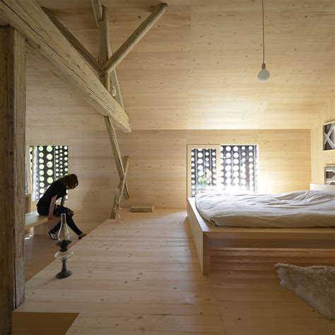 scheune wohnung alpine barn apartment ofis architects archdaily