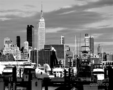 15 new york city skyline pictures black and white pictures new york city skyline with harbor black and white