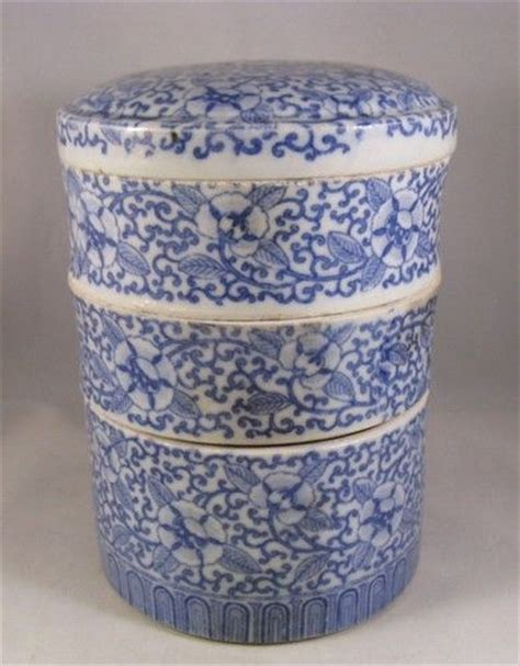 1410 Ble Bc Food japanese porcelain porcelain and boxes on