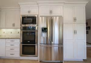 Dynasty Kitchen Cabinets Dynasty Wakefield Maple Pearl Caramel Traditional