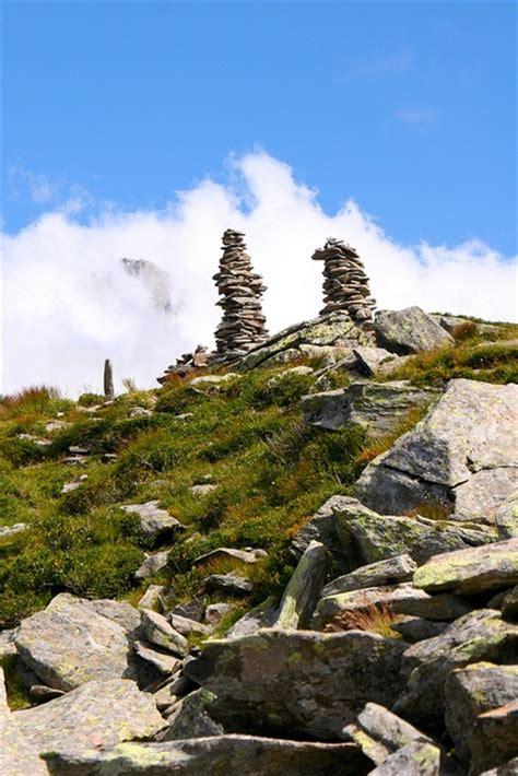 rock cairns rockin rocks pinterest
