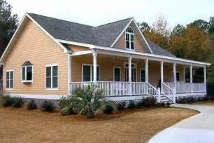 It S Gotta Have A Big Front Porch For Our Wooden Rockin Ranch Style Home Plans With Covered Porch