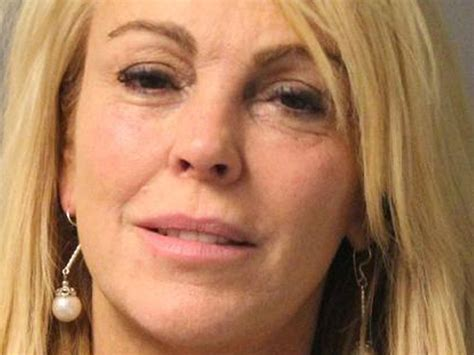 Dina Lohan Is All Rainbows And Animals by Dina Lohan S Lawyer Argues Stress Paparazzi Led To Dwi