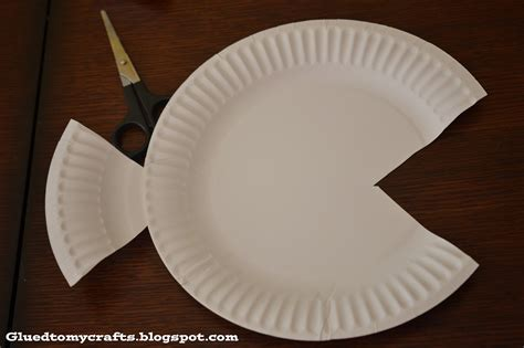 Paper Plate Fish Craft - tropical paper plate fish kid craft glued to my crafts