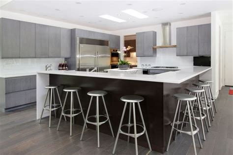 Kitchen Countertop Bar by 20 White Quartz Countertops Inspire Your Kitchen Renovation