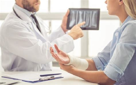 Doctor After Car - 5 reasons to see a doctor after a car crash sterling