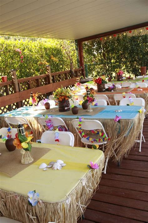 luau themed decorations 25 best ideas about hawaiian decorations on