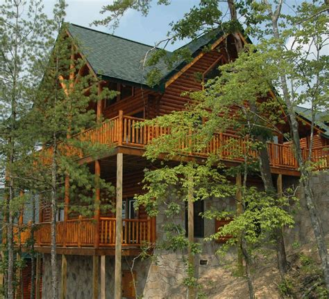 pigeon forge cabin smoky mountain from