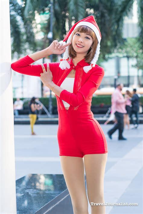 pretty santa girl tatiya nuttiiz christmas  bangkok thailand  traveljournalistcom