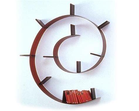libreria a spirale ikea bookworm la liberia di kartell disegnata da arad non