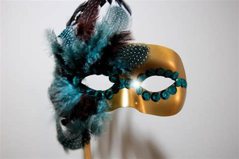diy easy mask diy masquerade mask ideas brit co