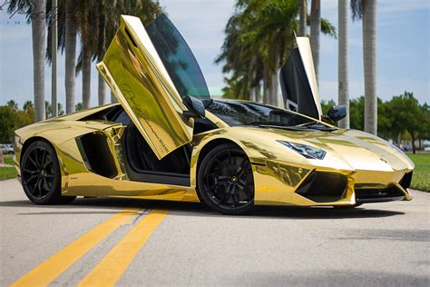 How Many Own Lamborghinis 10 Things Rich Own In Common Luxurious Things