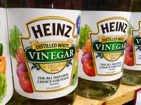 Unique Ways To Use Vinegar Around Your House by Here S 15 Handy Ways To Use White Vinegar Around Your House