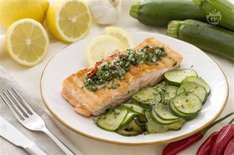ricetta per cucinare il salmone ricetta salmone grigliato con salsa al prezzemolo la