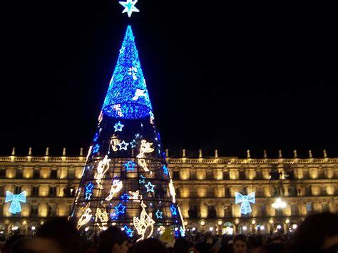 file 193 rbol de navidad en la plaza mayor jpg wikimedia