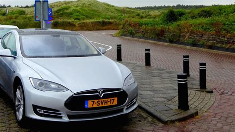 Tesla Model S Norge Here S Why The Tesla Model S Is The 1 Selling Car In