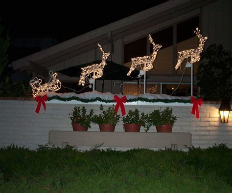 gallant yard decorations to wow your neighbors magical