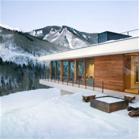 linear mountain house of wood glass and chalet charm mountain homes ideas trendir