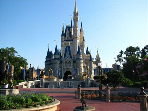 25 best ideas about magic kingdom tips on