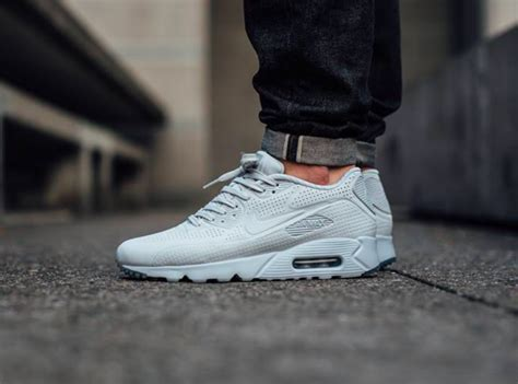 air max 90 ultra moire platinum covers the nike air max 90 ultra moire