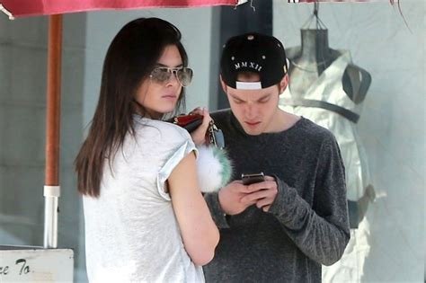 what of does jenner does kendall jenner a new boyfriend omojuwa