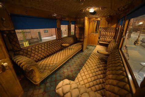 queen victorias favourite rail carriage set