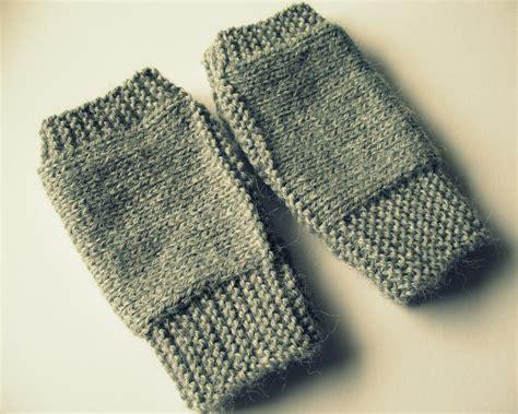 easy knit fingerless gloves eclectic me easy fingerless mitts