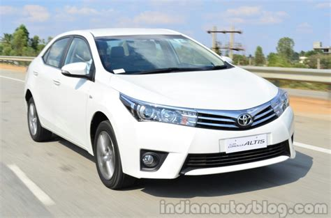 Toyota Corolla India Price 2014 Toyota Corolla Altis Launched In India Pakwheels