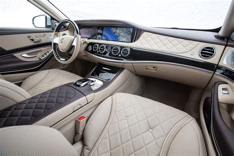 bentley maybach 2016 bentley mulsanne speed vs 2016 mercedes maybach s600