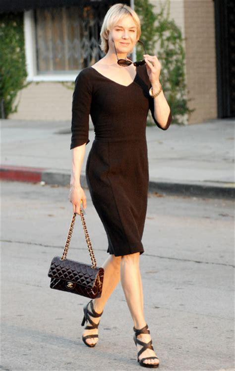 Catwalk To Photo Shoot Renee Zellweger In Chanel Couture by Ren 233 E Zellweger And Chanel 2 55 Classic Flap Bag 2661626