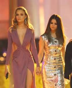 Vanity Fair Oscar Selena Gomez 2016 Selena Gomez Leaving 2016 Vanity Fair Oscar 07