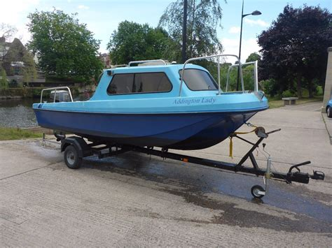 dory speed boat pilot 520 sports fishing speed boat wilson flyer dory