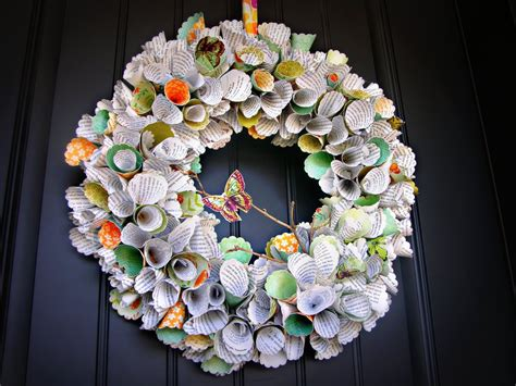 How To Make A Wreath With Paper - awesome paper wreath