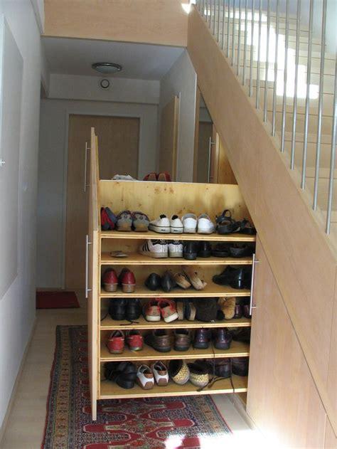schuhregal unter treppe schuhschrank unter der treppe stauraum