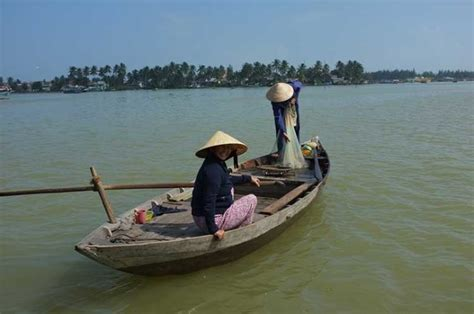 types of vietnamese boats traditional fishing boats