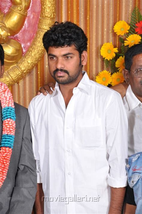 actor vimal son picture 417481 vimal at kumudam chitramani s son wedding