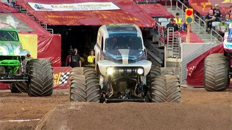 grave digger legend truck jam grave digger the legend vs el toro loco