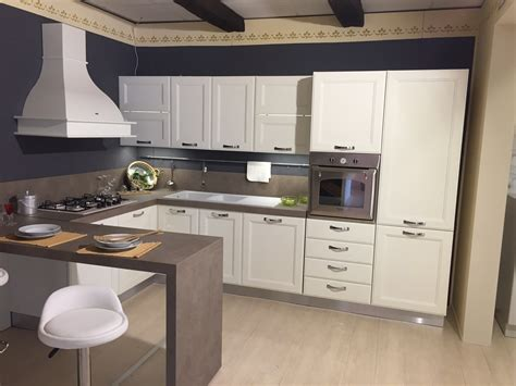 penisola in cucina cucina con penisola di ged cucine modello kate scontata