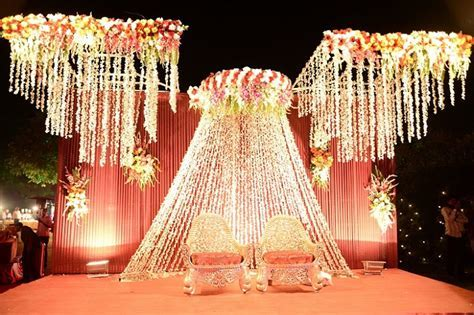 Real weddings: A Destination Wedding With Multiple Themes