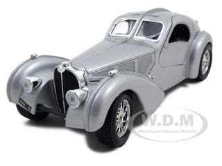 Burago 124 Bugatti Atlantic Silver bugatti atlantic silver 1 24 diecast car model by bburago