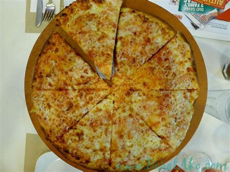 pizza with in crust papa s introduces thin crust and stuffed crust pizzas