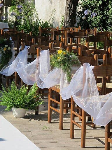 Organza aisle decoration so no one can walk down the aisle