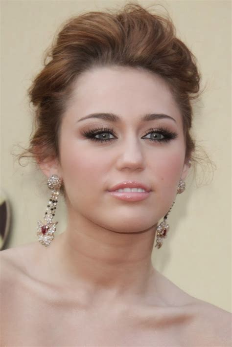 Miley Cyrus Hairstyle by Prom Hairstyles Miley Cyrus