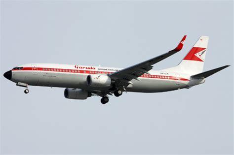antara jakarta surabaya garuda indonesia vintage flight terbang perdana jakarta